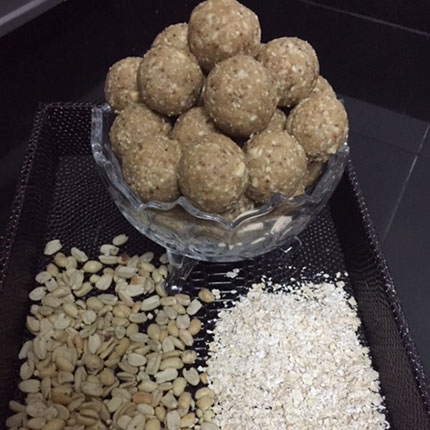Oats and Groundnut Laddoo Recipe