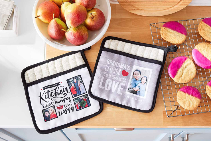 mothers day gift ideas family oven mitts
